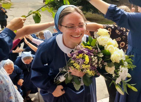 Siostra Hiacynta już niebieska!