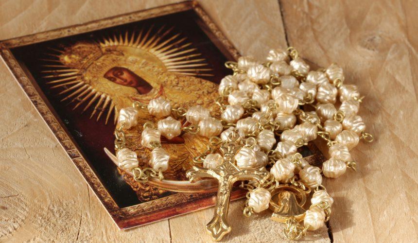 Błogosławiona jesteś, Panno Maryjo, zachowałaś słowa Boże i rozważałaś je w sercu swoim.